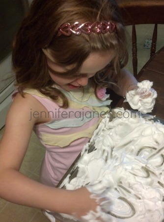 The Struggling Reader - Phonics Shaving Cream Activity - jenniferajanes.com
