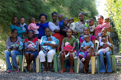 Moms and Babies of Mercy House Kenya